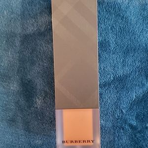 Burberry cashmere flawless foundation